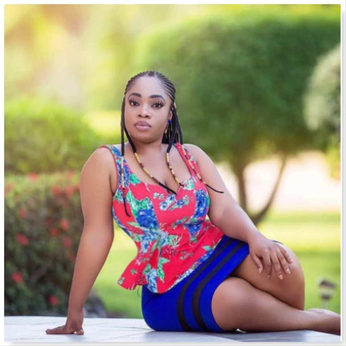 Moesha Boduongs 'wows' social media with stunning photos