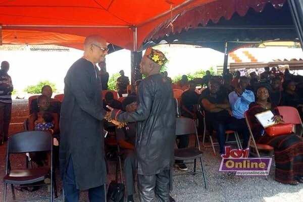 Nana Ampadu and Ben Brako exchange greetings