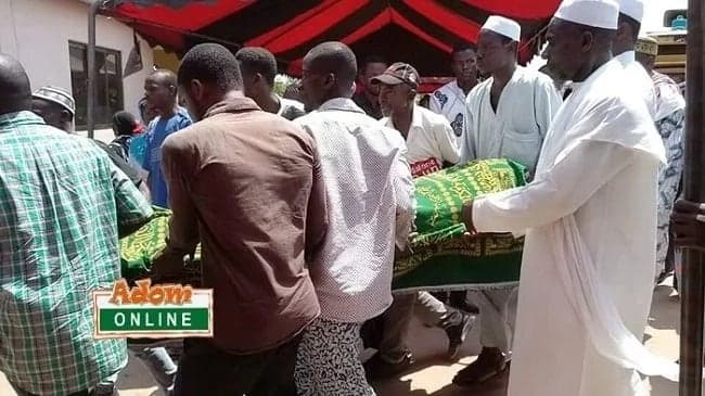 All the photos from the funeral of the Journalist who died in the Atomic gas explosion
