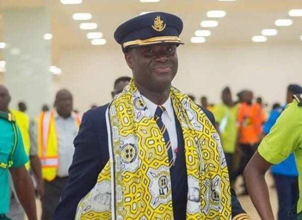 Captain Solomon Quainoo who flew world's biggest plane to Accra wins award