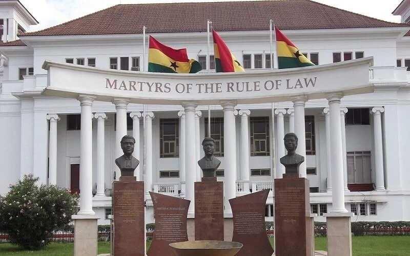 Law school exams: Injunction dismissed