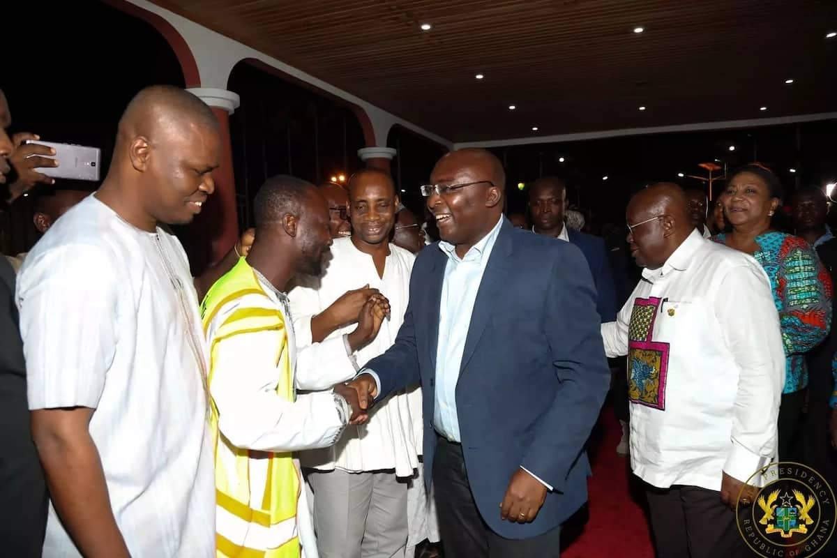 13 photos of Bawumia's arrival from London that prove he is loved by Ghanaians