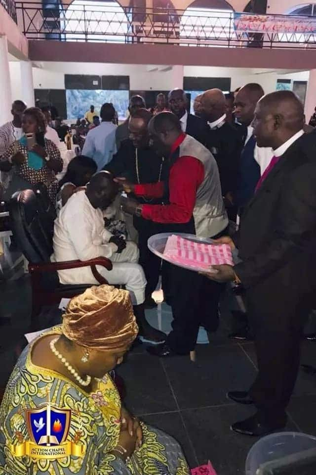 Archbishop Duncan-Williams blesses president-elect Oppong-Weah of Liberia