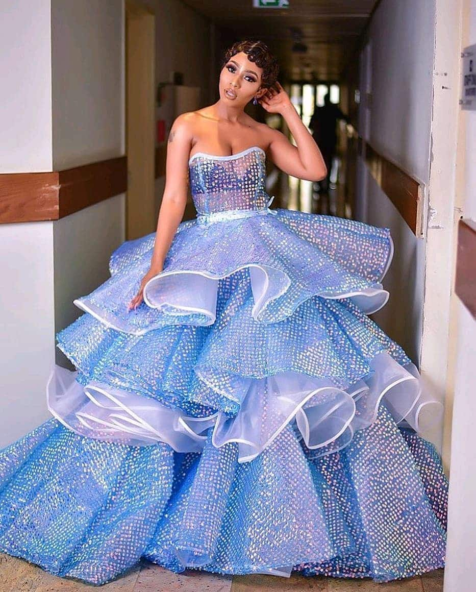 Latest Aso Ebi Styles To Wear In 2020 10 Incredible Designs