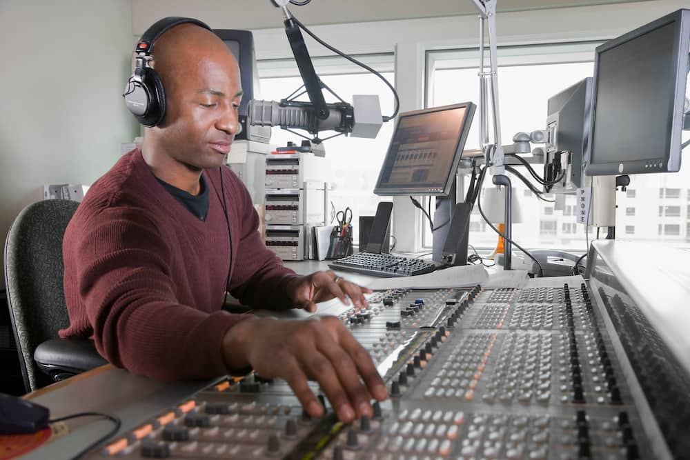 FM stations in Ghana and their frequencies