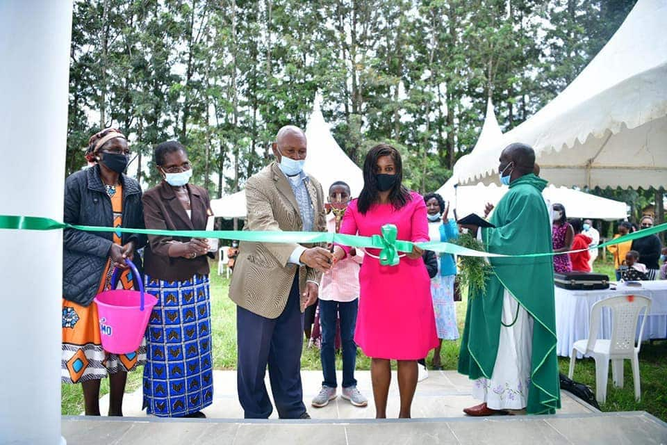 Eldoret female engineer gifts parents luxurious house as appreciation for good upbringing