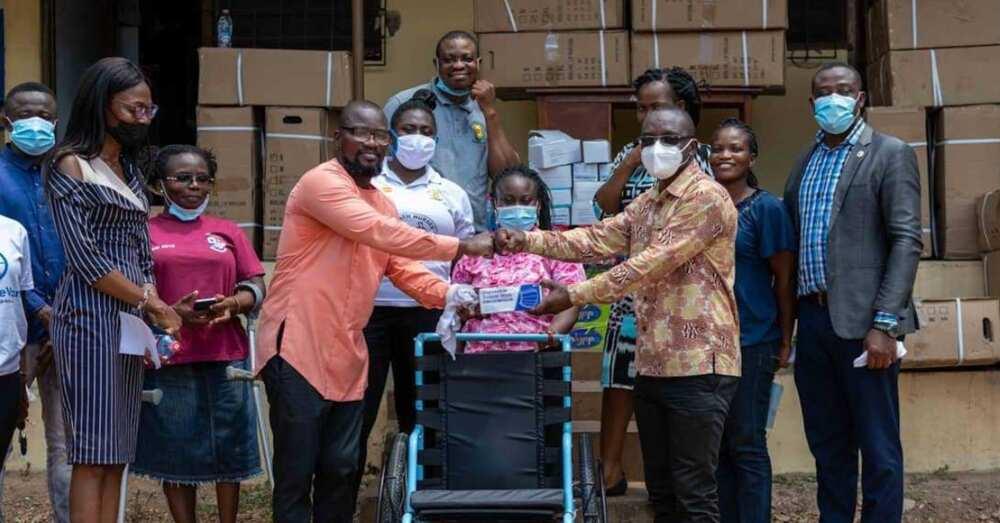 Elizabeth Amoaa: Speciallady and Dan-DeVan donate to District Health Directorate in Asuogyaman-Atimpoku