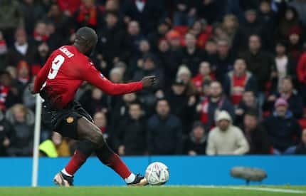 Man United beat Reading 2-0 in English FA Cup third round