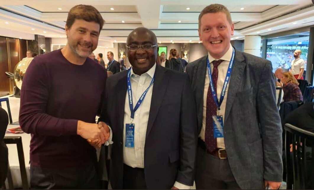 Bawumia meets Spurs boss Pochettino in London (Photo)