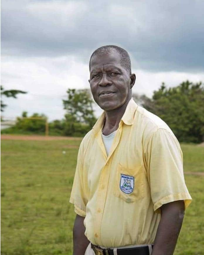 Meet the 66-year-old JHS student who has not given up on education (Photos)