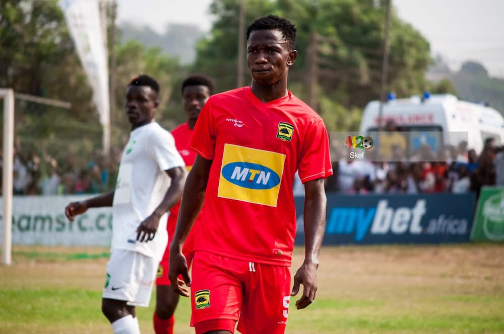 Kotoko defender Imoro Ibrahim begs for food; details surface online