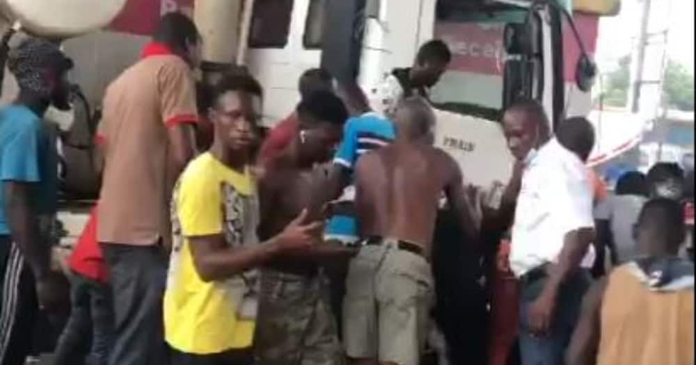 1dead; another injured after truck runs into Accra-Tema motorway tollbooth