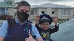 4-year-old boy calls emergency service number just to show female police officer his cool toys, many react