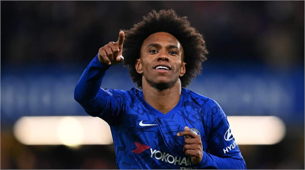 Willian completes 3-year move to Premier League side Arsenal from Chelsea