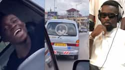 Sarkodie shows love to trotro driver in traffic in Kumasi; video warms hearts