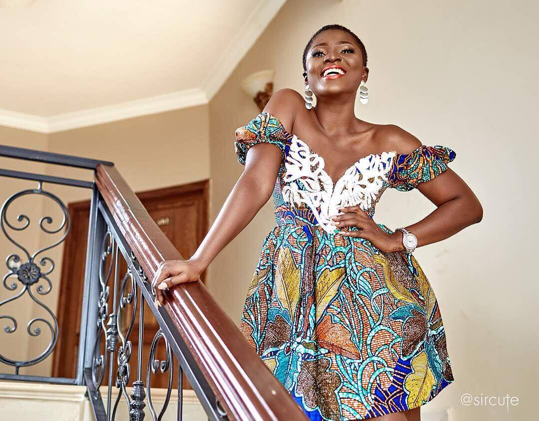 Ahuofe Patri's fans praise her for dressing decently in latest beautiful photo