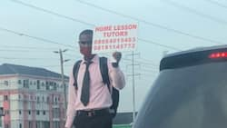 Many react as bold man stands in traffic & asks to be employed as a home tutor; many say it's not safe