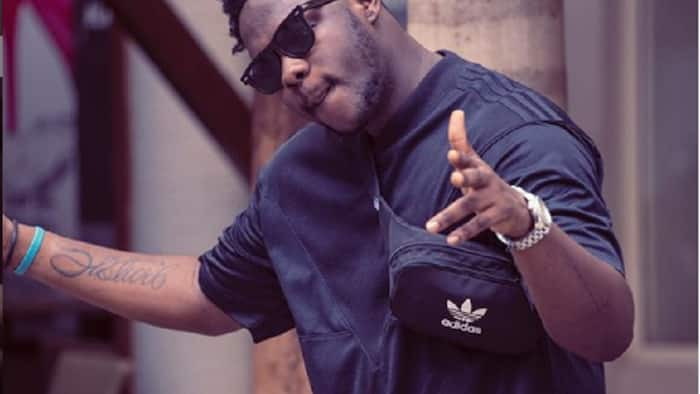 Medikal sets tongues wagging after flaunting his plush East Legon mansion full of cars (Video)
