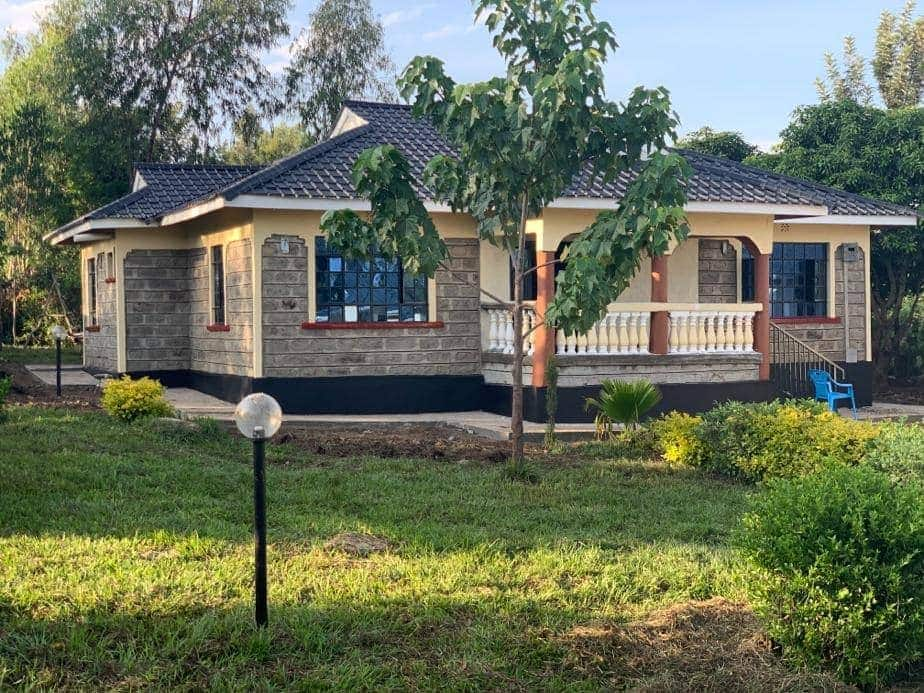 Siaya Man who overcame abject poverty to become dentist builds elderly mom new house