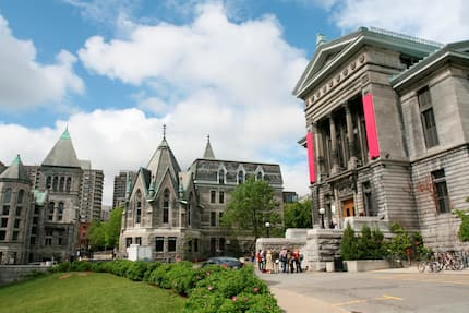 12 best Canadian Universities for people from Ghana