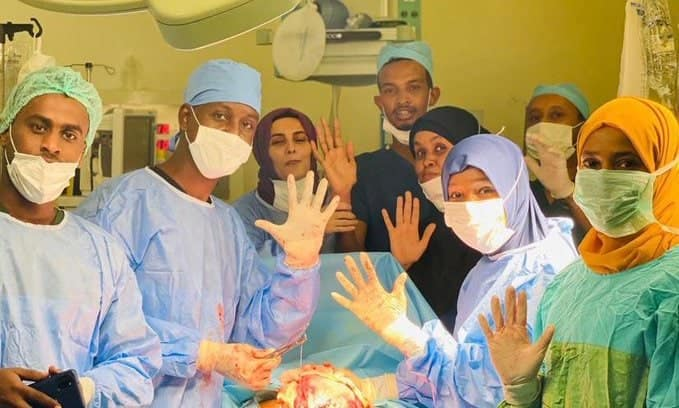 Health workers celebrate as woman gives birth to quintuplets