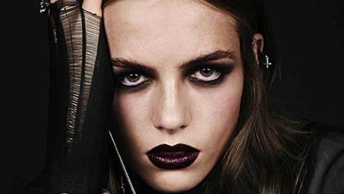 30 modern Goth makeup ideas that just anyone can do in 2021