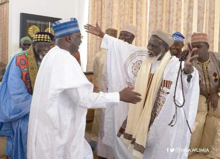 Photos: Bawumia gifts new Toyota car with customised plate to Chief Imam