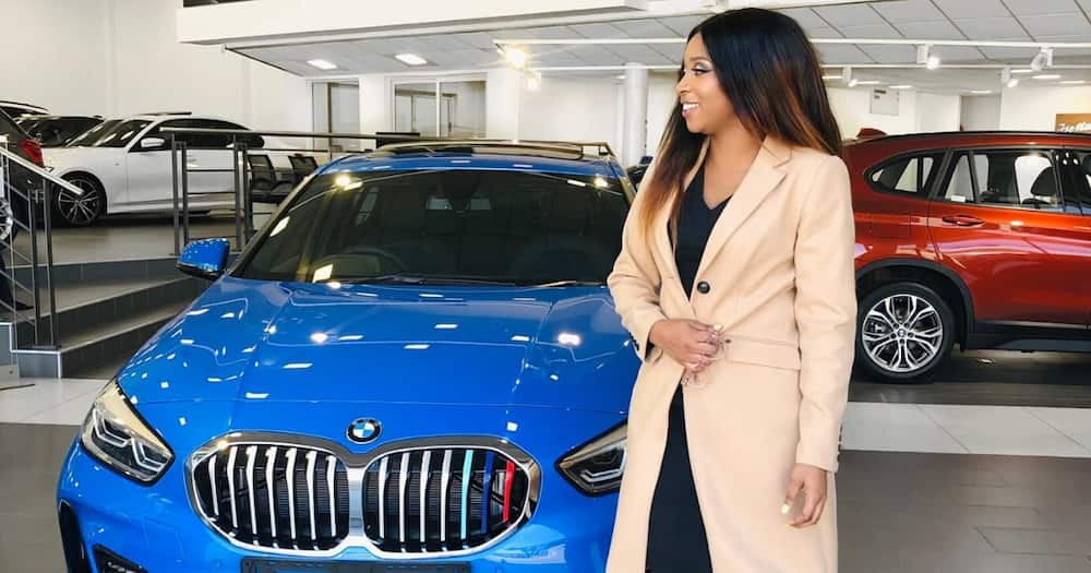 """Stunning doctor buys herself a sexy new whip, SA salutes: """"Baby blue"""""""