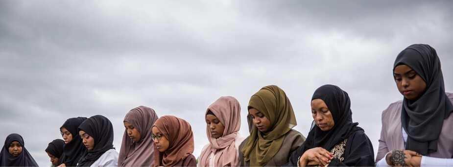 Muslim women warned to stop wearing wigs to prayer
