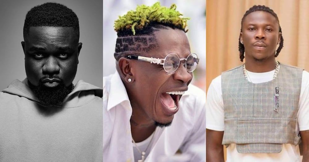 Shatta Wale calls Sarkodie and Stonebwoy for debate; gives Stonebwoy new name (video)