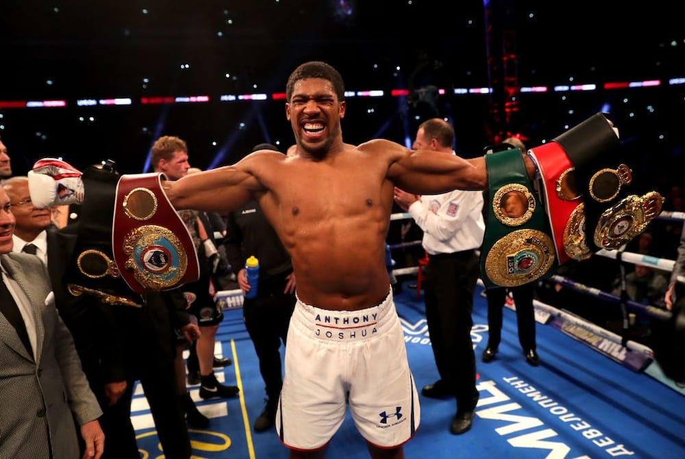 Anthony Joshua shares adorable picture wearing new look on social media