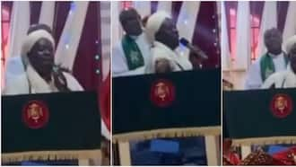 Chief Imam visits & prays with congregation during church service; causes stir