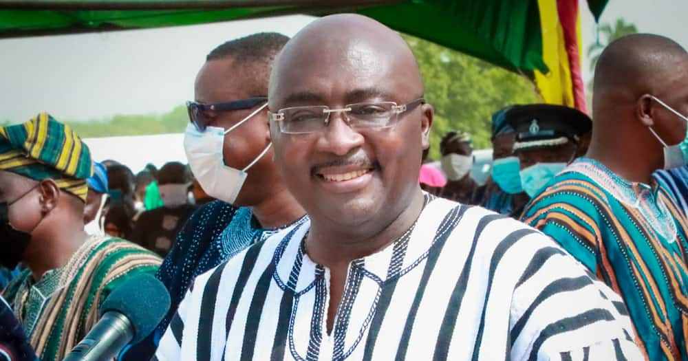 Vice President Bawumia donates GHc100,000 to Real Tamale United
