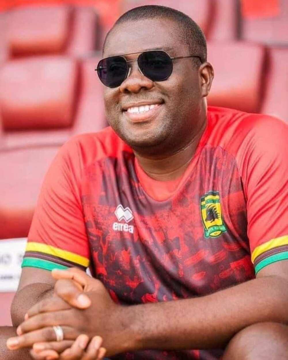 Hearts Vs Kotoko: Serwaa Amihere, Kuami Eugene Vim Lady, Oppong Nkrumah & Other Famous Kotoko Supporters