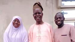 Man and his wife visit their secondary school teacher to celebrate him; go viral