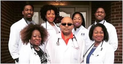 Family of 7 doctors flood the internet with beautiful photos
