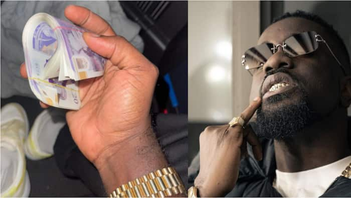 Now that is rare - Sarkodie shows gratitude as fan surprises him with wad of cash, drops photo