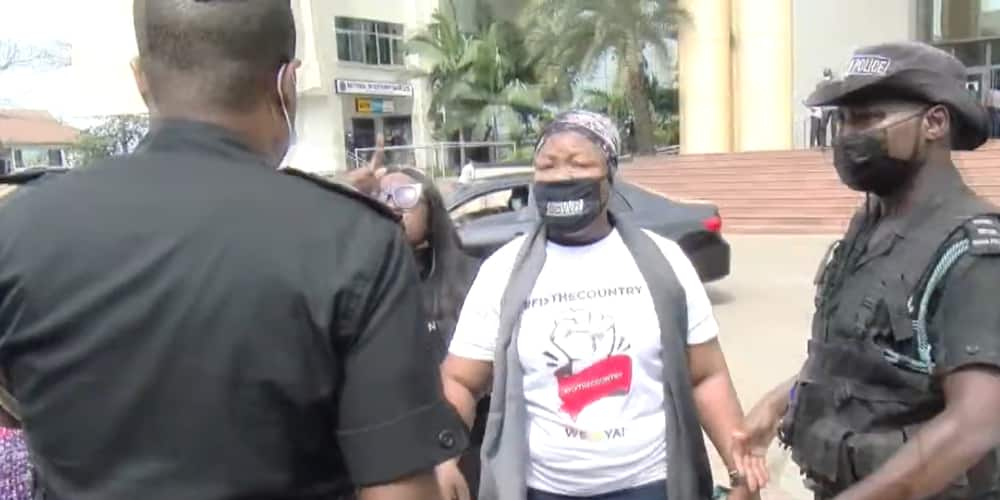 FixTheCountry protestors, Police clash at Accra High Court; judge forced to put the case on hold