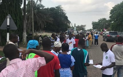 Photos of NDC supporters queuing to donate to Mahama pop up
