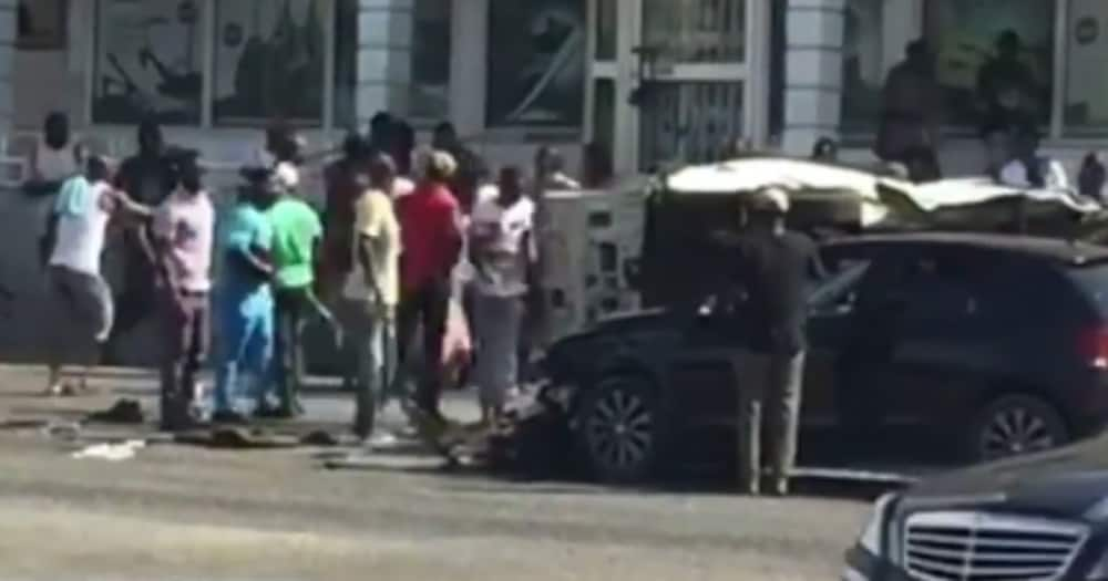 G/R: Deadly accident captured in video as injured passengers rush from crashed vehicles