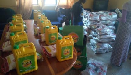 UDS lecturers 'boiling with anger' after receiving 5kg rice and cooking oil as Christmas packages (Photo)