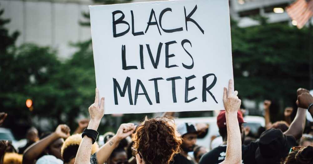 US Teacher was fired for wearing Black Lives Matter face mask