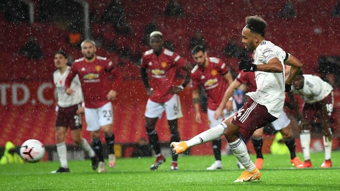 Aubameyang fires Arsenal to 1st Premier League win over Man United at Old Trafford since 2006