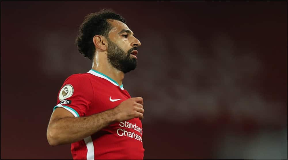 Mohamed Salah saves homeless man from being harassed by yobs, hands him £100