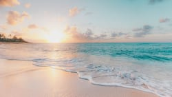 200+ awesome beach sayings for Instagram