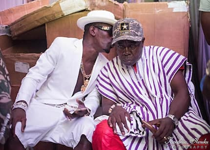 Shatta Wale's father mounts stage and steals the show at son's Thanksgiving Concert (Video)