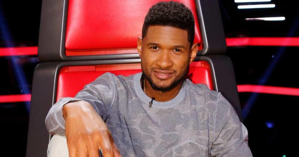 Usher gets roasted online for allegedly giving stripper fake money