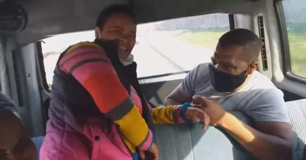 Drive by proposal: Vide of man proposing to fiance in tax goes viral