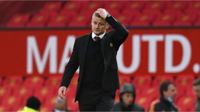 Former England striker calls for Solskjaer's sack after dropping Ronaldo to the bench