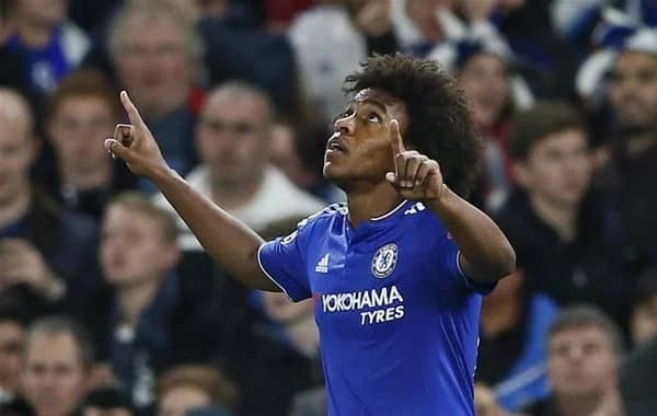 Willian claims Antonio Conte 'hardly ever talks to Chelsea players'